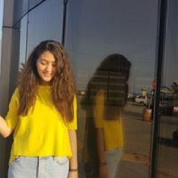Eya Naghmouchi