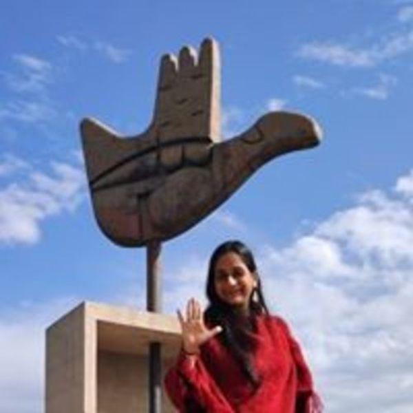 Surabhi Khanna